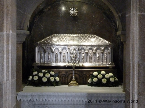 Casket containing remains of St James