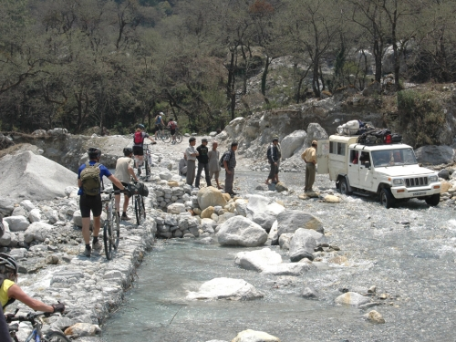 Crossing a river - between Jomsom and Tatopani
