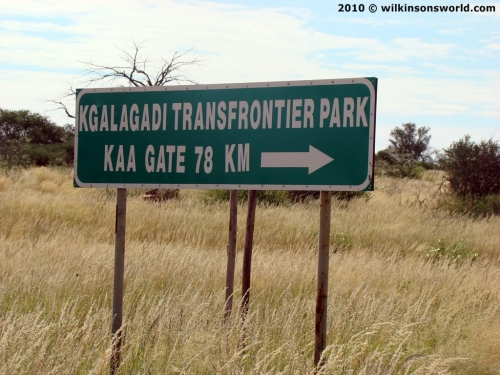 Turn off to Kaa Gate
