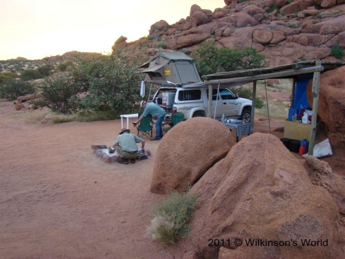 Campsite amongst the boulders - Granietkop